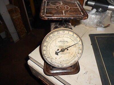 Vintage Antique Univeral LFC Household Scale-Lander's Frary & Clark-24lbs By Oz