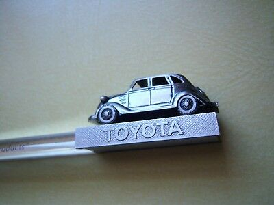 TOYOTA Automotive Metal Paperweight Magnifier GOOD THINKING, GOOD PRODUCTS