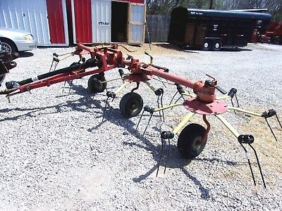 Used Walton 17 ft.  Manual Fold Hay Tedder---Can ship @ $1.85 Mile