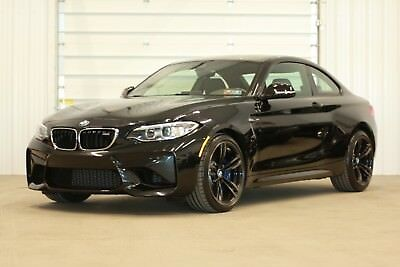 2017 BMW M2  2017 BMW M2*5775 Miles!!*6-Speed Manual*Executive Package*Carbon Fiber Roof