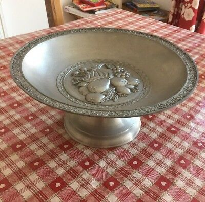 A Very Attractive Large Vintage Pewter   Fruit Bowl- Bowl.