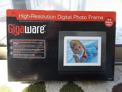 "Gigaware 7"" High-Resolution Digital Photo Frame w/SD, MS, MMC Slots and more"