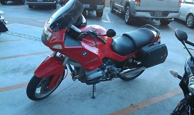 1995 BMW R-Series  1995 BMW R1100 RS