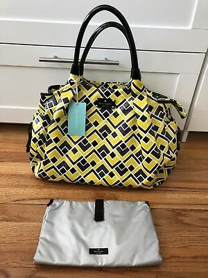 New with defect kate spade diaper bag with changing Pad