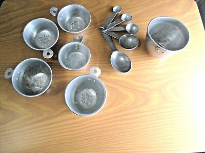 Vintage Set Aluminum Nesting Measuring Cups Spoons Tab Handles Country Farmhouse