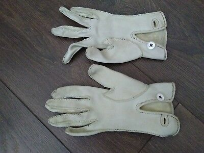 Vintage Ladies' Chamois Leather Driving Gloves Mother of Pearl Buttons Small