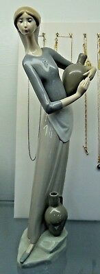 Lladro 4875 Girl with Jug Retired 1985 Excellent Condition
