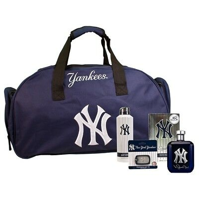 Men's NY Yankees Autographed Mariano Rivera Ltd Edition Cologne Spray Duffle Bag