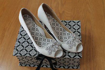 Hey Lady Shoes Twinkletoes with Crystals White Wedding Shoes Size 8.5 / 9 / 9.5