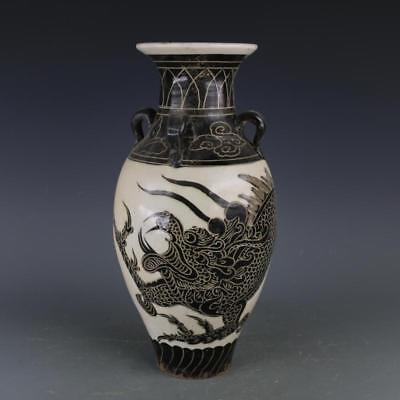 Ancient Antiques Chinese hand make  porcelain Dragon bottle