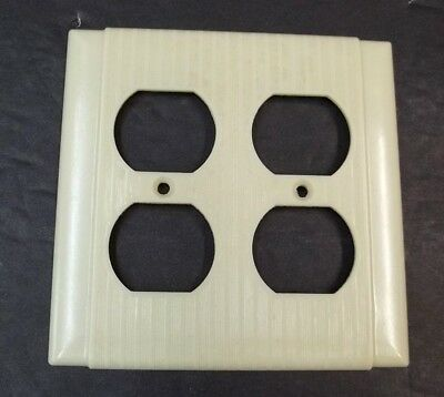 Ivory Vintage Bakelite Ribbed Bryant Deco Double Gang Outlet Plate Cover