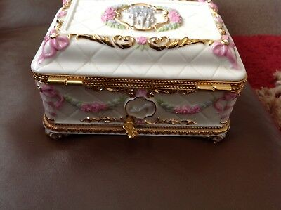 CINDERELLA HOUSE of faberge Once Upon A Dream Musical Jewelry Box