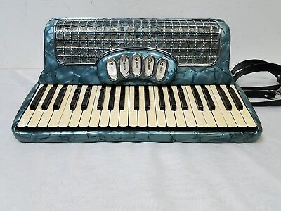 Vintage Vinny Roberts Classic 5 Full Size 41/120 Piano Accordion