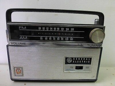 GE General Electric Eleven Transistor Radio Portable AM/FM Tuner AS IS