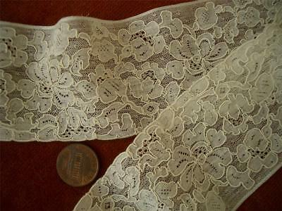 DAINTY ORNATE SMALL SCALE DIMENSIONAL Antique VTG ALENCON NET LACE FLOUNCE DOLLS