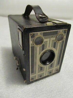 Vintage 1930's/40's Kodak Box camera, Six 20 Brownie Junior - Art Deco