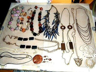Mixed Variety LOT of Vintage.retro  JEWELRY.necklacES