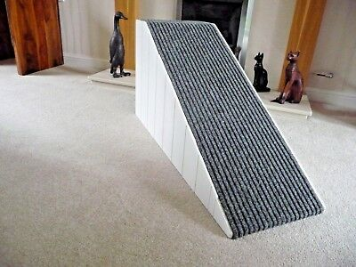 40cm High Pet Ramp, Wooded Sides in White/Dark Cord Carpet