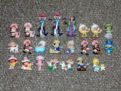Vintage Kenner Strawberry Shortcake Lot of 23 PVC Figures Some Rare