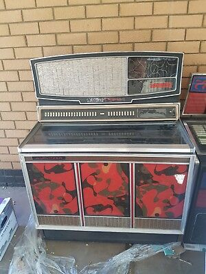 Wurlitzer Superstar Record and Rowe AMI CD Jukebox