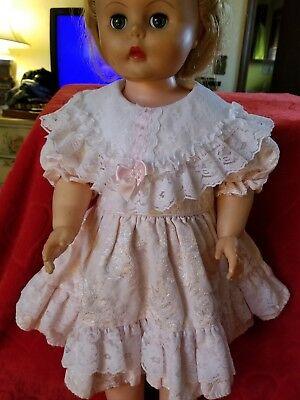 Beautiful vintage party dress for large dol!!!