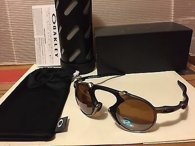ad26302b3b2 OAKLEY MADMAN POLARIZED Men s Sunglasses w  Tungsten Iridium ...