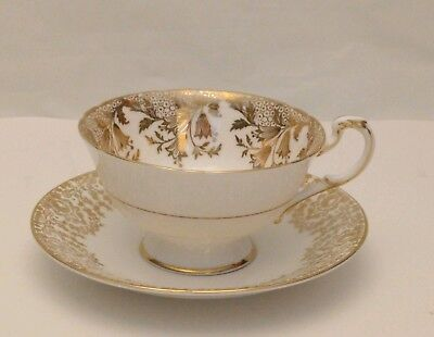 Paragon By Appt. To Her Majesty The Queen China Potters Fine Bone China England