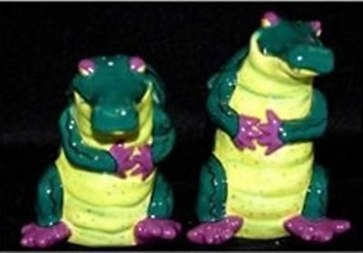 French Country Chic Collectable Novelty Salt and Pepper Set ALLIGATOR New