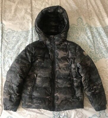 5d03f7a1d MONCLER BOYS PUFFER Jacket Size 8 - Army- Long Sleeved