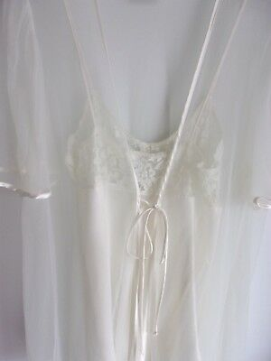 Woman's Vitntage XS Peignoir Set Ivory Color Nightie & Sheer Robe Intimo Amore