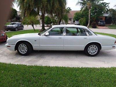 1998 Jaguar XJ8 L JAGUAR XJ8 L ***LIKE NEW**LOW 72,000 MILES** FLORIDA CAR