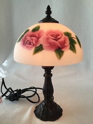 Vintage Style Painted Roses Glass Shade Table Lamp   Cast Metal Base    Floral