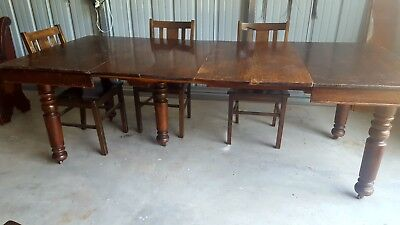 Robbins Table with 5 Murphy Chairs