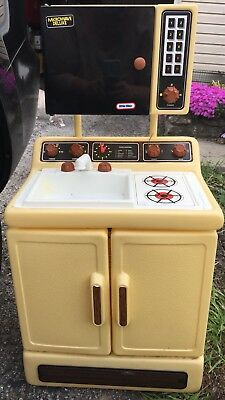 Little Tikes Rare Vintage Kitchen Stove Sink Microwave Guc Child Size