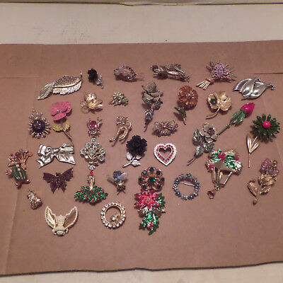 Large Vintage Lot Of 35 Costume Jewelry Some Rhinestone Brooches Excellent Cond.