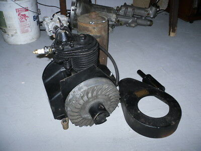 Antique Early Briggs & Stratton Engine Model PB Serial # 14747