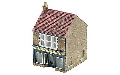 Hornby The Hardware Store R9835 OO Scale (suit HO Also)