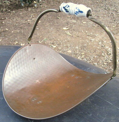 """c1970's all copper 17 1/2"""" long x 14"""" wide x 6"""" deep (- handle) kindling carrier"""