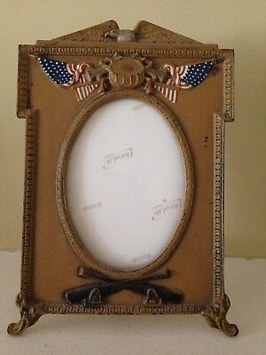 "American Antique Cast Iron Picture Frame (6""x9"")"