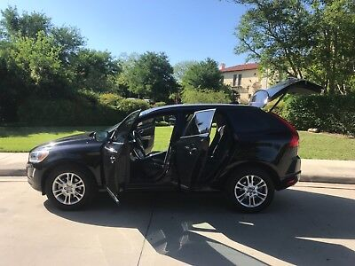 2015 Volvo XC60 T5 Sport Utility 4-Door 2015 Volvo XC60 Runs and Drives really Nice Super clean No issues Must see OBO
