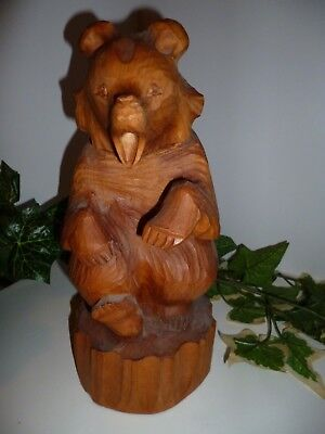 Hand Carved Wood Bears Vintage Collection Of All Sizes In Fun Poses