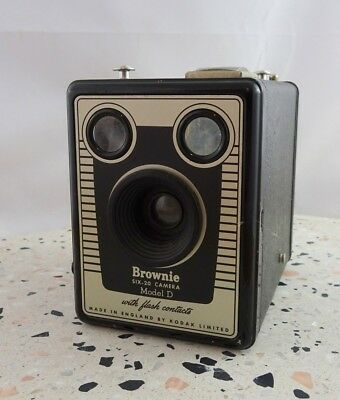 Vintage Kodak Six -20 Brownie Model D with Flash Contacts Box Camera England