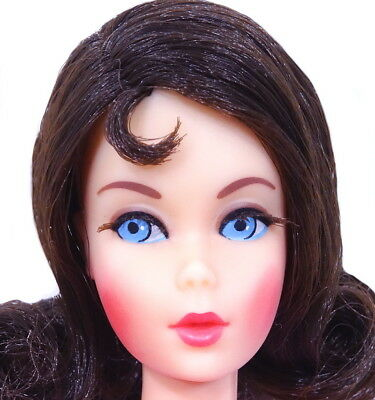Amazing Vintage Dark Brunette Twist 'N Turn Flip Barbie Doll MINT