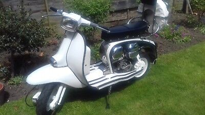 Lambretta Gp 150 Classic Scooter  50Year Old,please Look ,black Plate 1968