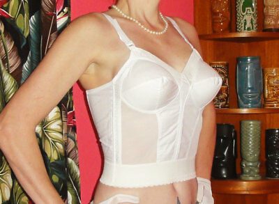 Vintage White Exquisite Form Longline Bullet Bra 34 B pin up clothing girl retro