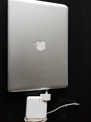 Apple MacBook Pro Core 2 Duo 2.40GHz 4GB RAM 1000GB HHD 13 Inch
