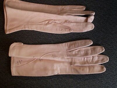 Ladies Short Kid Leather Pink Gloves Size 7 1/2  New Made in Western Germany