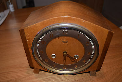 Art Deco Smiths Enfield clock in light wood antique with pendulum + key Working