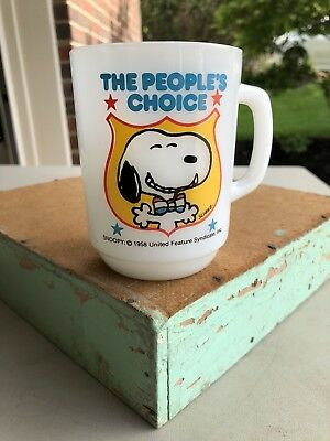 Vintage Snoopy The People's Choice Anchor Hocking Milk Glass Collector Mug 1980!