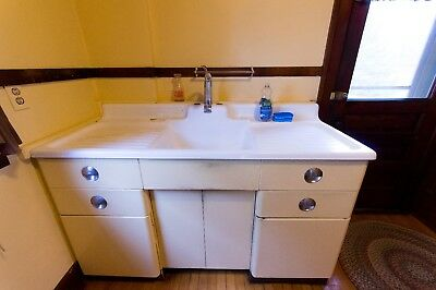 VINTAGE FARMHOUSE SINK with Drainboard Porcelain Cast Iron - GREAT Condition